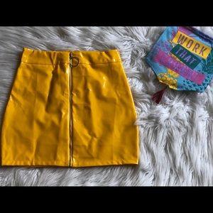 Dresses & Skirts - Liquid yellow skirt